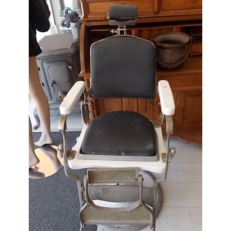 Poltrona da barbiere mercatino dell 39 usato lucca ti riuso for Poltrone da barbiere usate